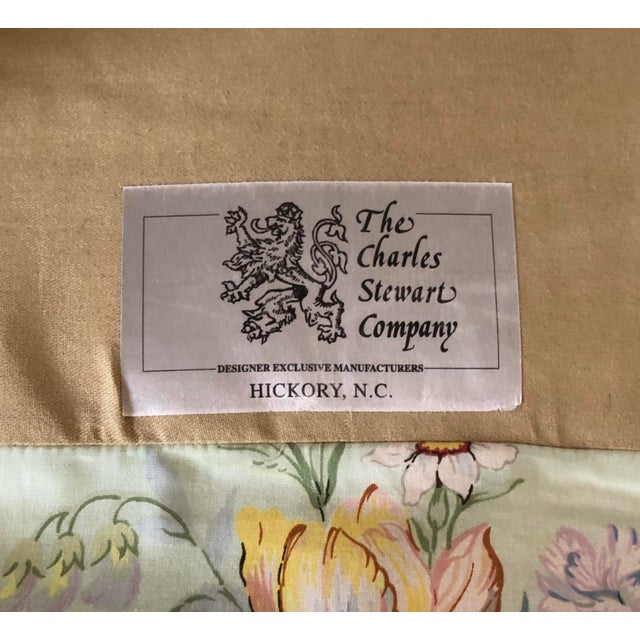 American Charles Stewart Hickory Cozy Club Chair With Dessin Fournir Rose Cummings Floral For Sale - Image 3 of 4