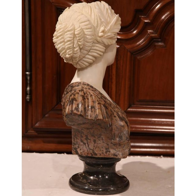 Large 19th Century Italian Carved Marble Bust of Young Lady by Goose For Sale In Dallas - Image 6 of 7