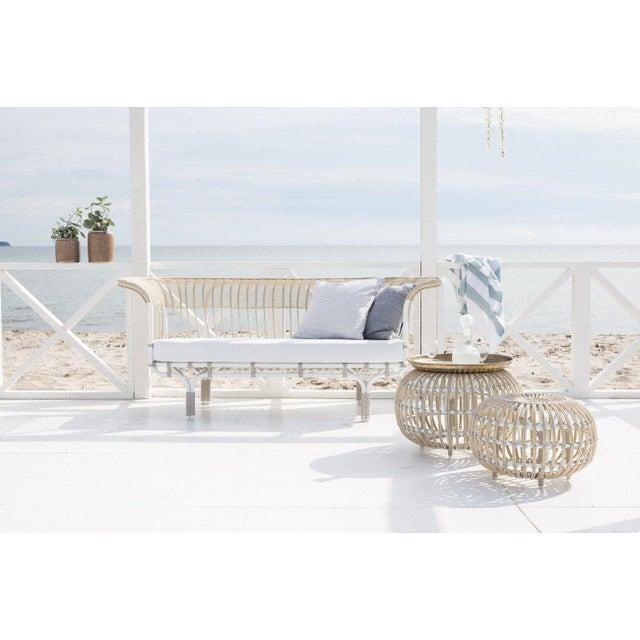 Modern Franco Albini Belladonna Exterior Sofa - Moccachino - Tempotest White Canvas Cushion For Sale - Image 3 of 4