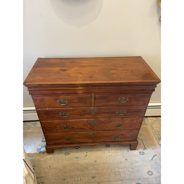 Beautiful Chippendale chest of drawers. From the 18th century.