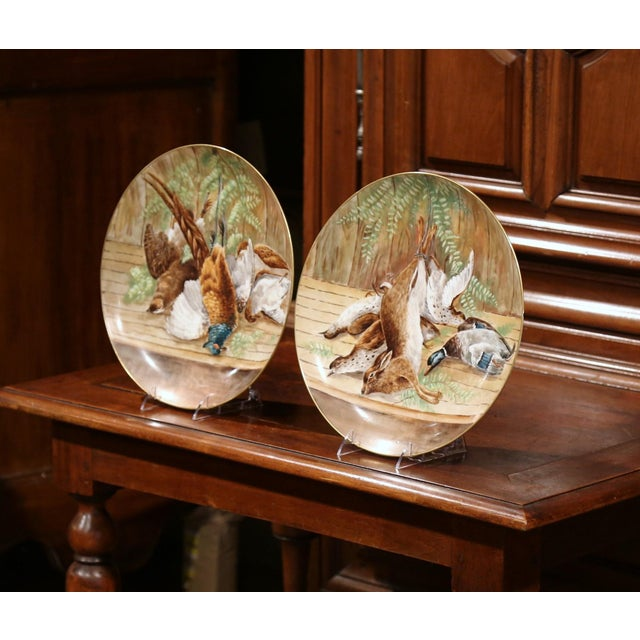 19th Century French Hand-Painted Porcelain Hunting Scenes Wall Platters - a Pair For Sale - Image 5 of 11
