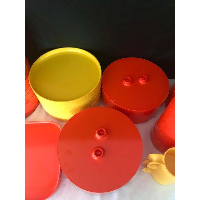 Mid-Century Modern Italian Massimo Vignelli for Heller Melamine Multi-Colors Dinnerware Set - 83 Pieces For Sale - Image 3 of 13