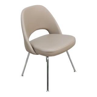 Mid-Century Modern Eero Saarinen for Knoll Beige Leather Executive Armless Chair For Sale