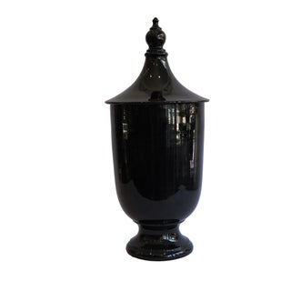 Classical Black Ceramic Urn