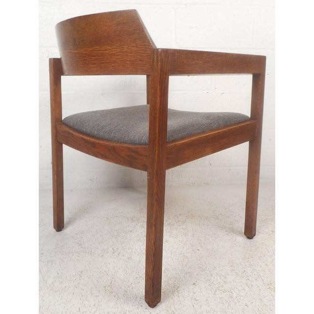 1970s Set of Five Mid-Century Modern Walnut Dining Chairs by Gunlocke Chair Company For Sale - Image 5 of 11