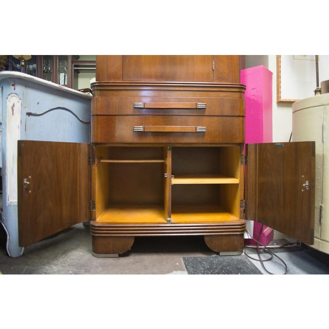 1940s Vintage Medicine Cabinet For Sale - Image 4 of 11