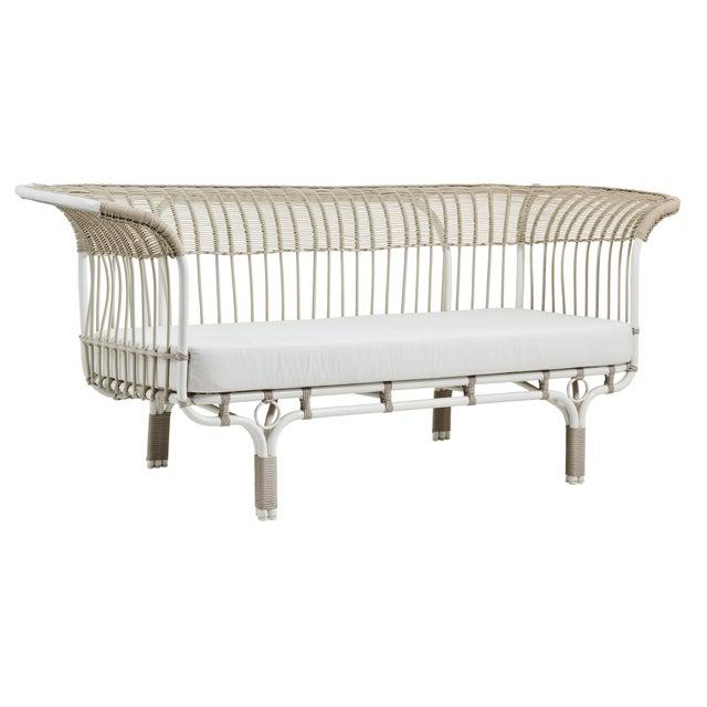 Franco Albini Franco Albini Belladonna Exterior Sofa - Dove White - Tempotest White Canvas Cushion For Sale - Image 4 of 4