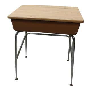 1960s Mid Century Modern Heywood Wakefield Child's School Desk For Sale