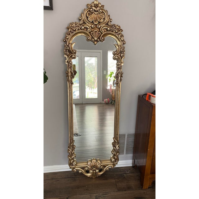 1960s Baroque Carved Gilded Giltwood Mirror For Sale - Image 5 of 6