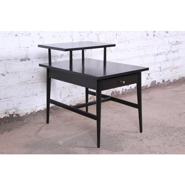 Contemporary Paul McCobb Planner Group Two-Tier Ebonized End Table or Nightstand, 1950s For Sale - Image 3 of 10