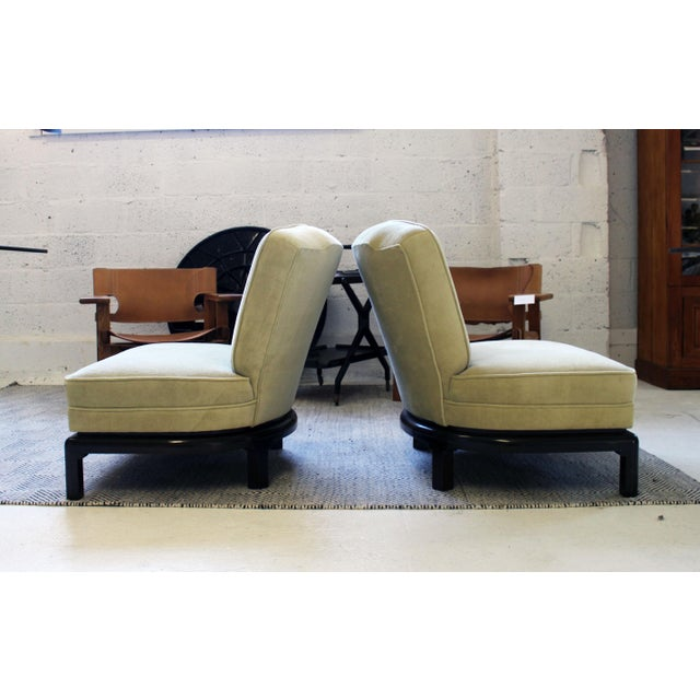 Mid-Century Modern Pair of Michael Taylor for Baker Style Lounge Slipper Chairs For Sale - Image 3 of 10