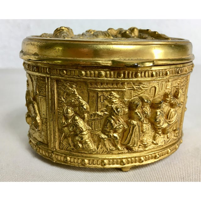 1900 - 1909 1900s French Gilded Ring Box For Sale - Image 5 of 9