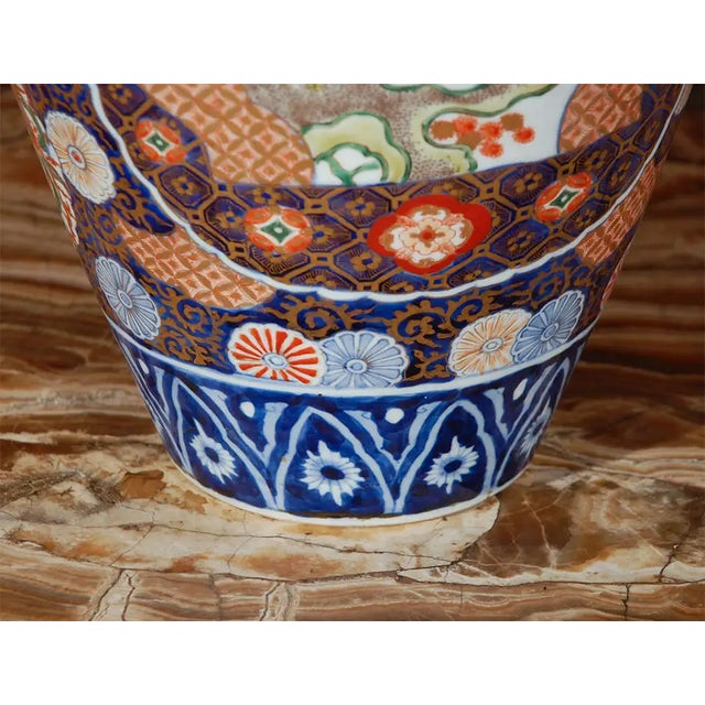19th Century Japanese Imari Vase For Sale In Los Angeles - Image 6 of 10