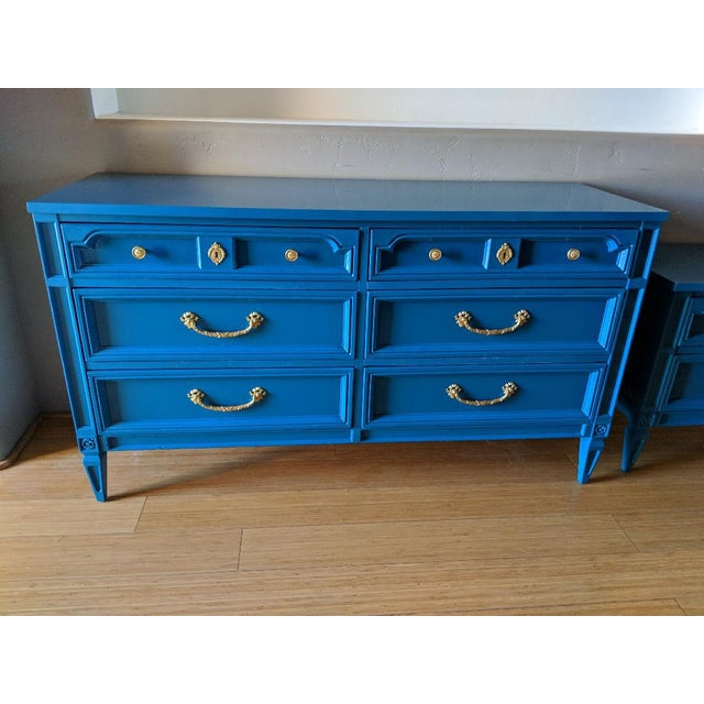 1960s 1960s Italian Basic Witz Blue High Gloss Six-Drawer Dresser and Nightstand Set - 2 Pieces For Sale - Image 5 of 12