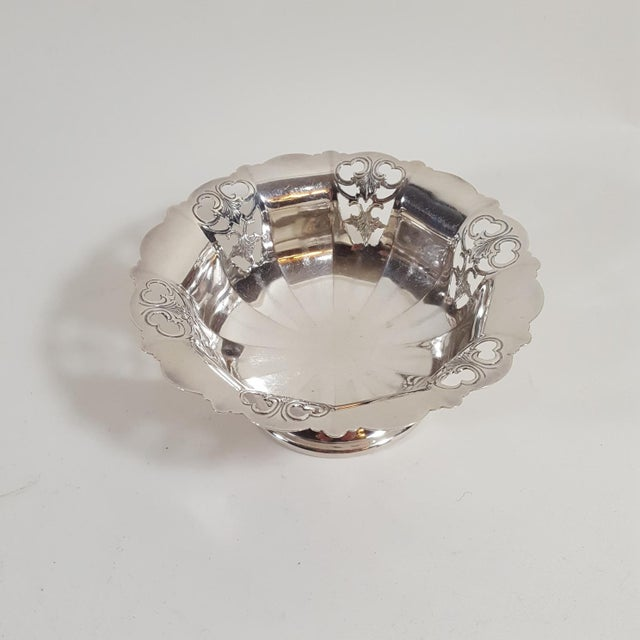 A very nice silver plate Mappin & Webb candy bon bon or nut dish. The dish is marked as Prince's Plate. Circa 1920, since...