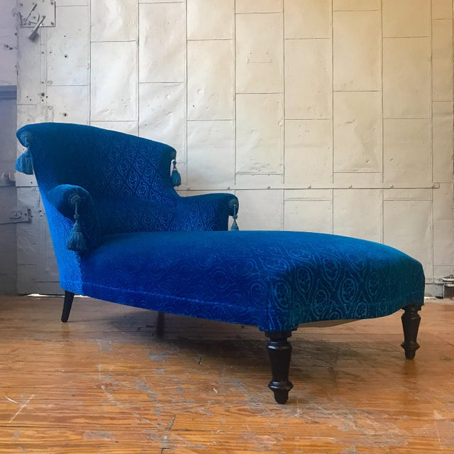 19th Century Vintage Royal Blue Velvet Chaise For Sale - Image 12 of 12