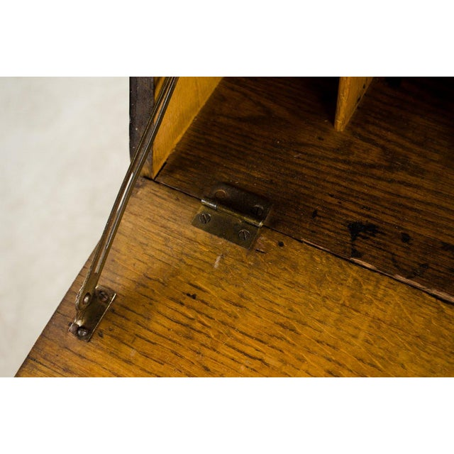 19th Century English Traditional Stand-Up Desk Bookshelf For Sale In Atlanta - Image 6 of 13