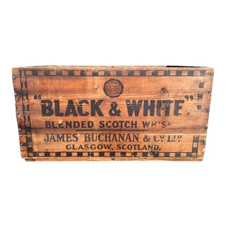 Black & White Blended Scotch Whisky Crate For Sale