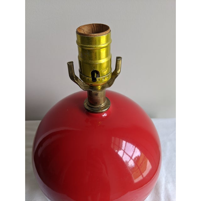 1960s Mid-Century Modern Vintage Red Spherical Ceramic Table Lamp For Sale - Image 5 of 7