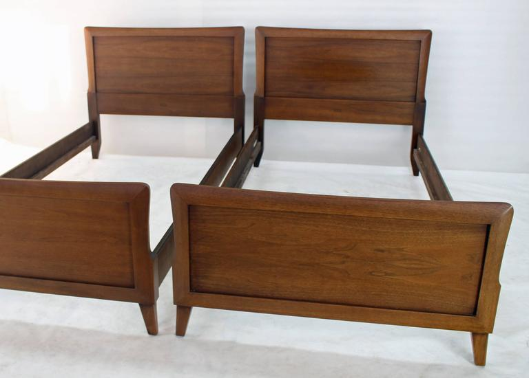 Pair Of Heritage Henredon Twin Beds   Image 2 Of 8