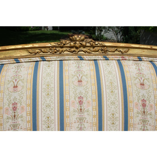Early 20th Century French Louis XV Style Giltwood Settee - Image 7 of 11