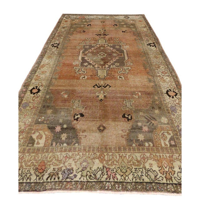 Textile Vintage Turkish Sivas Rug with Modern Industrial Style For Sale - Image 7 of 9