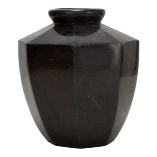 1990s Contemporary Marquis Collection Octagonal Tessellated Black Stone Vase For Sale