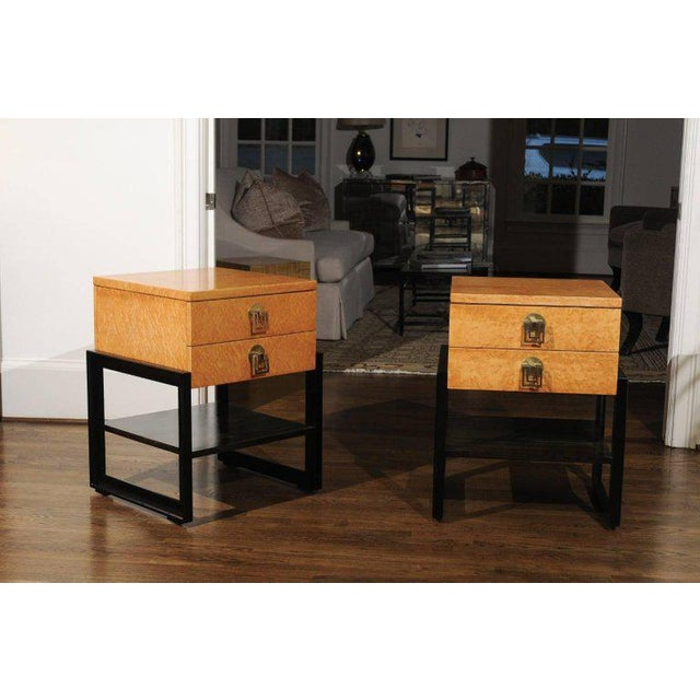 Mid-Century Modern Magnificent Pair of End Tables by Renzo Rutili in Birdseye Maple, Circa 1955 For Sale - Image 3 of 13