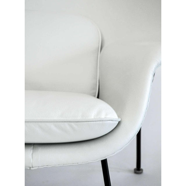 White Eero Saarinen for Knoll Womb Settee, Circa 1960's For Sale - Image 8 of 10