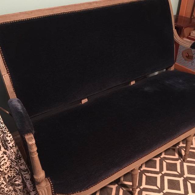 Neoclassical French Blue Velvet Settee For Sale - Image 5 of 7