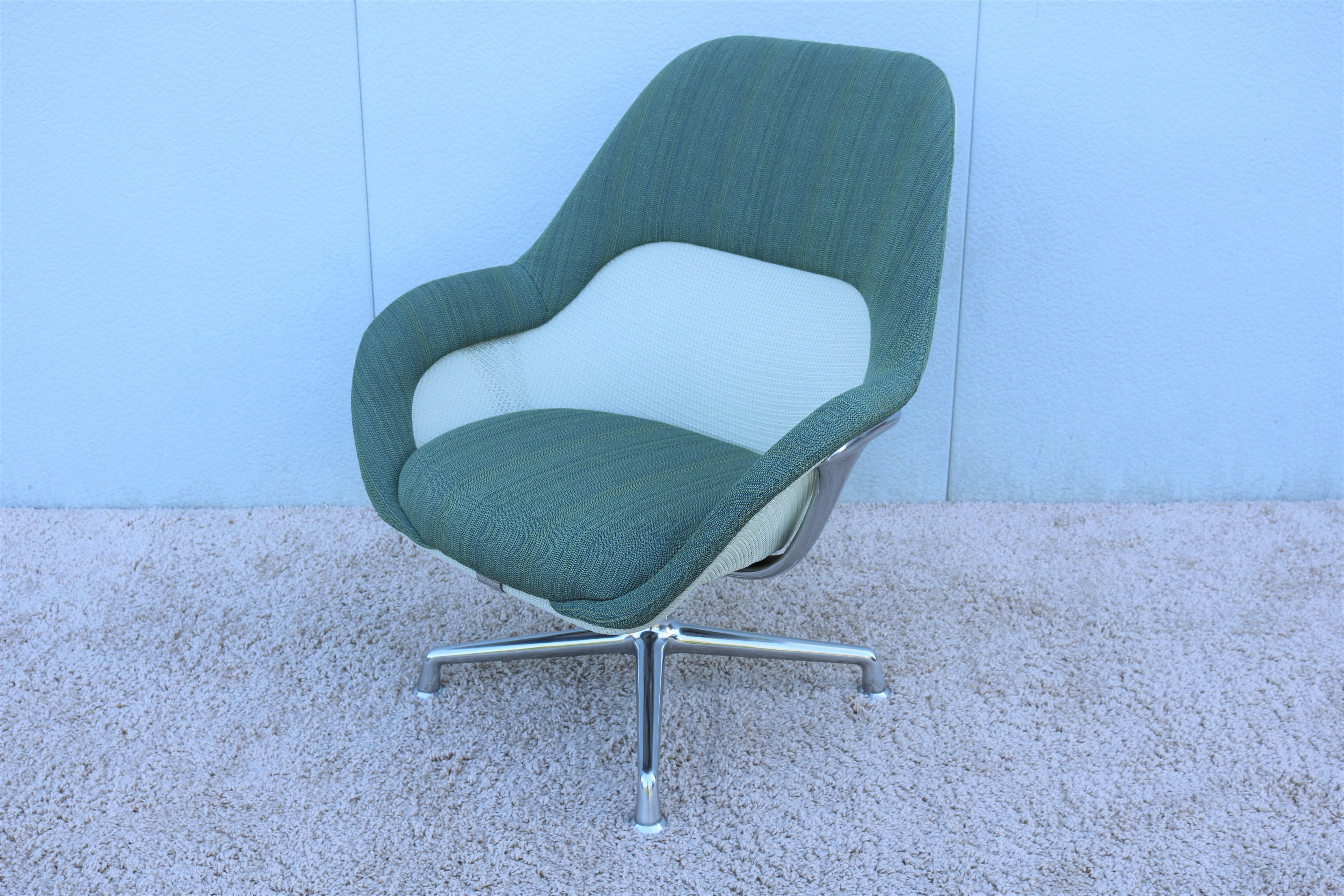 Scott Wilson For Steelcase Swivel Lounge Chair For Sale In New York   Image  6 Of