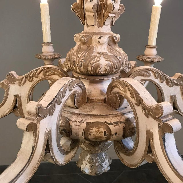 1900s Antique French Louis Xiv Painted Hand Carved Wood Chandelier For Image 5