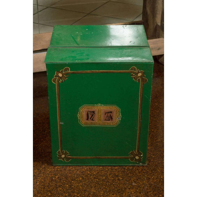 English Traditional Large Scale Green Tin Bin, English circa 1880 For Sale - Image 3 of 7