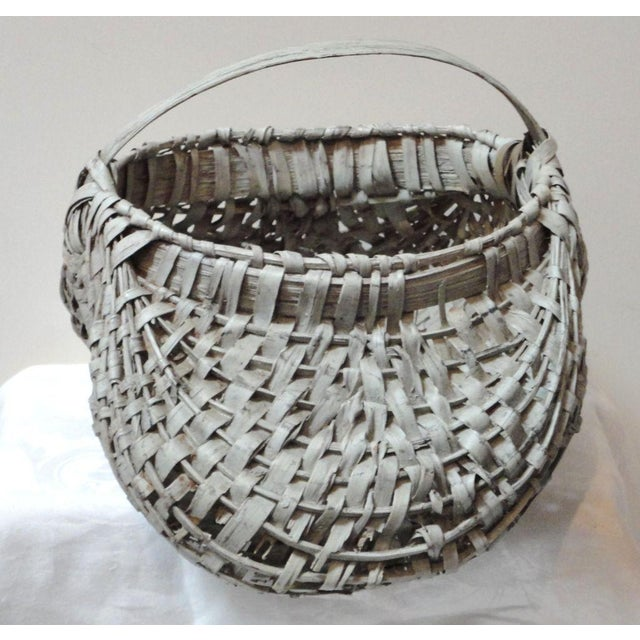 Mid 19th Century 19th Century Original Grey Painted Honey Basket from Pennsylvania For Sale - Image 5 of 7