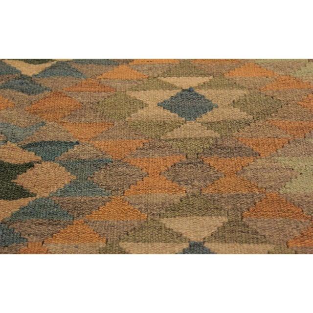 2010s Xara Gray/Blue Hand-Woven Kilim Wool Rug -5'0 X 6'9 For Sale - Image 5 of 8