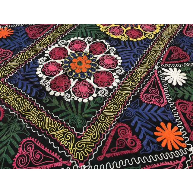 1980s Vintage Suzani Boho Flower Design Bedspread / Wall Hanging For Sale - Image 5 of 7