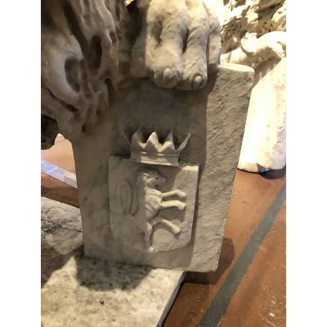18th Century Marble Lion Statues - a Pair For Sale - Image 9 of 13