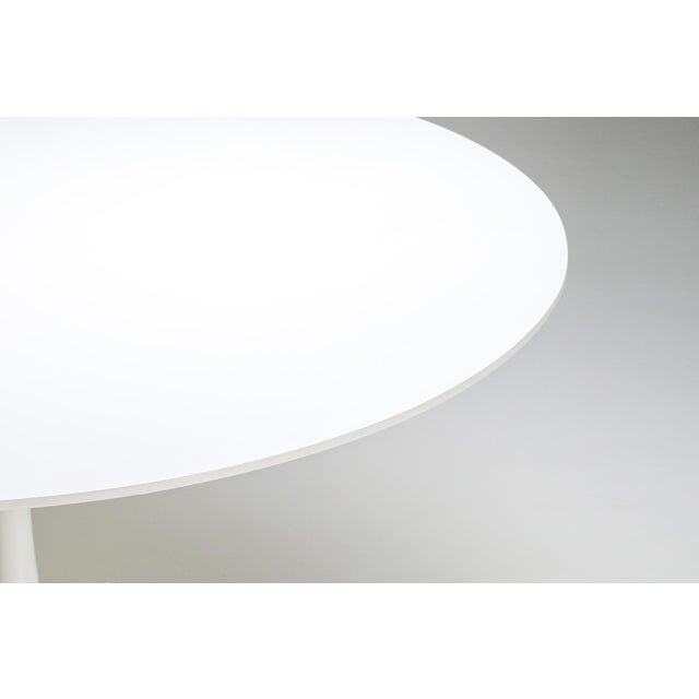"White 1970s Eero Saarinen ""Tulip"" Dining Table for Knoll For Sale - Image 8 of 10"
