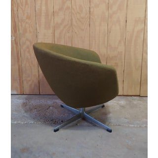 1960s Vintage Overman of Sweden Mid Century Modern Swivel Lounge Chair Preview