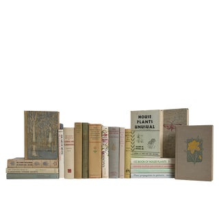 A Neutral Garden : Set of Twenty Vintage Gardening Books For Sale