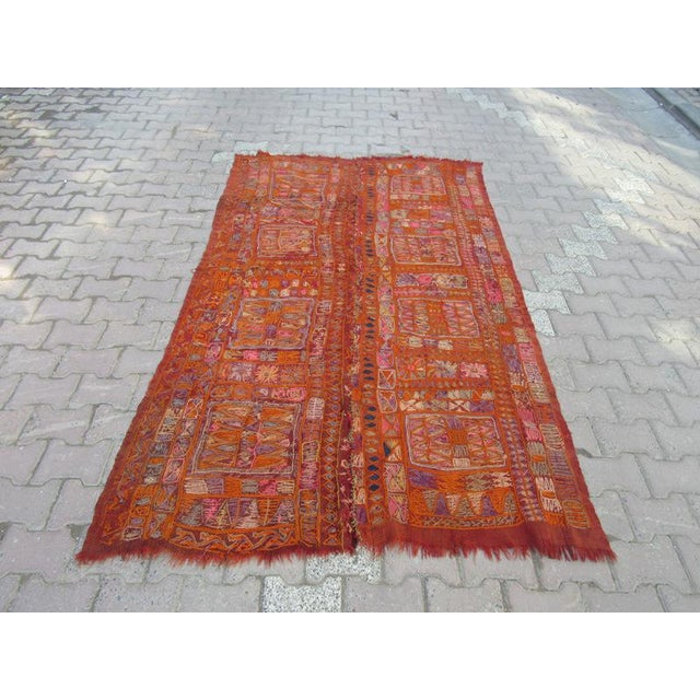 Handwoven Vintage Kilim rug from Iraq. Approximately 60-70 years old.In very good condition.