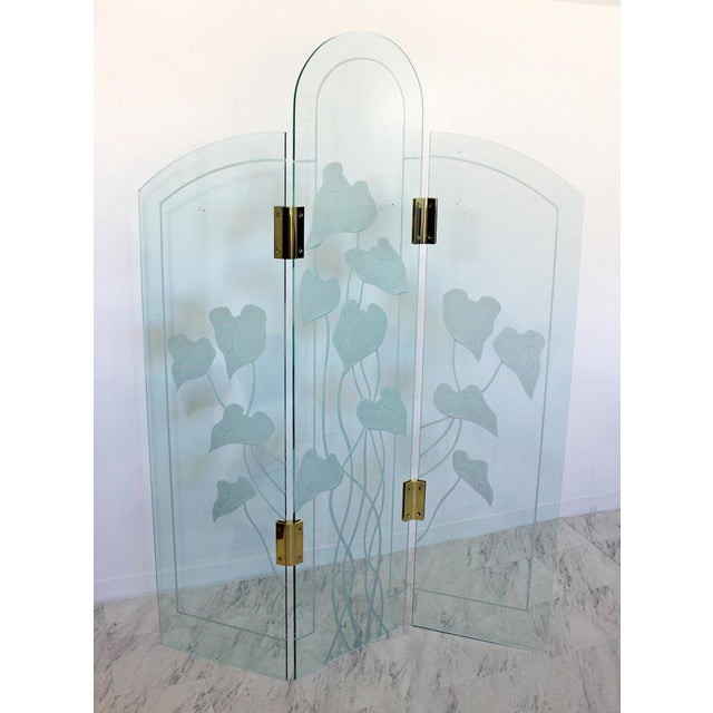 Art Deco 1960s Mid-Century Modern Etched Glass & Brass 3 Panel Room Divider Screen For Sale - Image 3 of 9