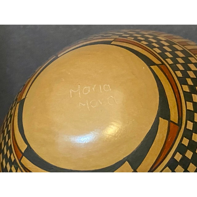 Late 20th Century Vintage Native American Style Hand Painted & Crafted Maria Mora Pottery Vase For Sale - Image 5 of 6