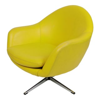 Overman Mid-Century Modern Chrome Swivel Pod Chair in Yellow For Sale