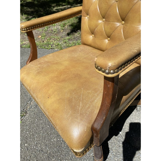 Vintage Executive Tufted Leather Swivel Office Desk Chair For Sale - Image 4 of 13