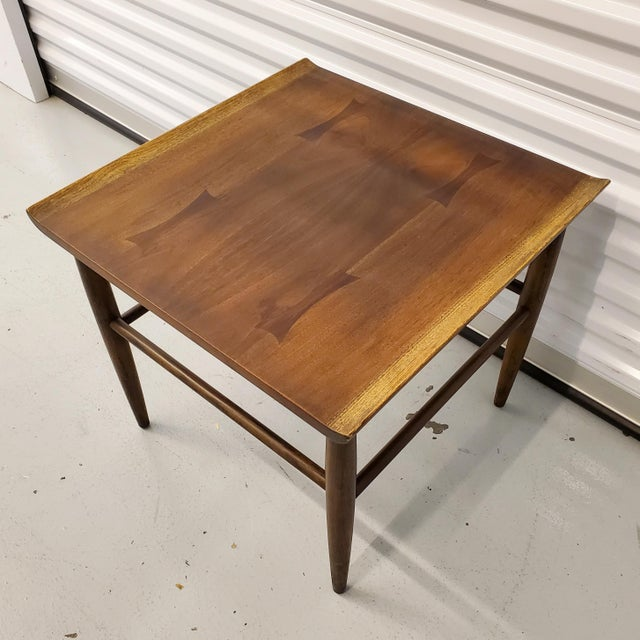 Mid-Century Modern Mid-Century Modern Baumritter Walnut Side Table With Bowtie Inlay & Oak Accents For Sale - Image 3 of 9