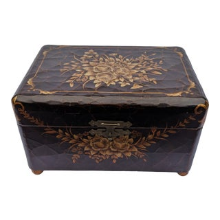 Early 20th Century French Chinese Chinoiserie Style Black Lacquered Floral Painted Jewelry Box For Sale