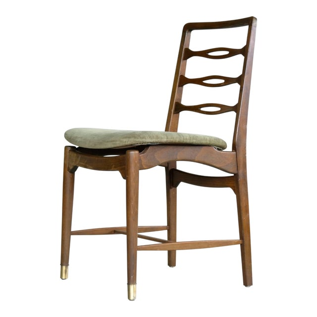 Unusual and very elegant set of six dining chairs in mahogany stained beechwood likely made circa 1945-1950. The ladder...