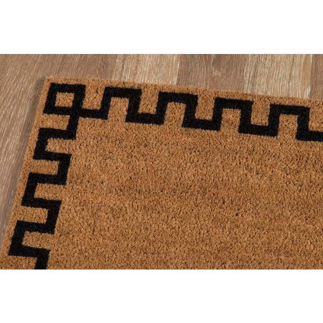 Beautiful design begins at your doorstep with this playful assortment of indoor/outdoor area rugs. From traditional laurel...