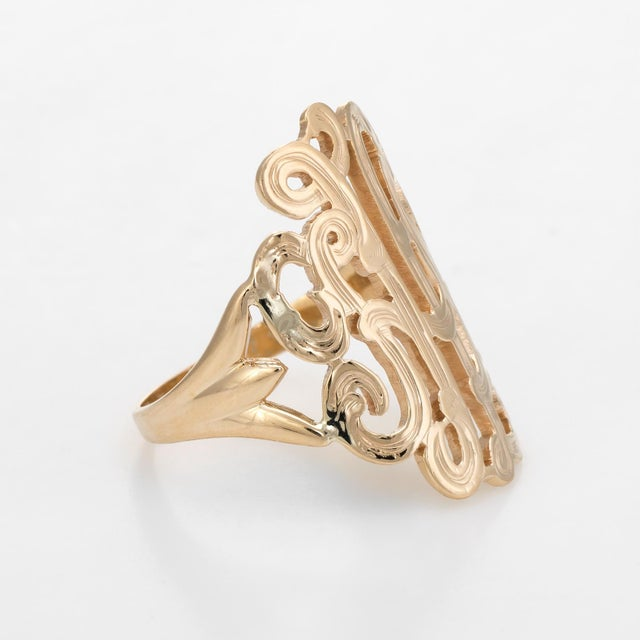 Modern Wide Band Scrolled Ring Vintage 14 Karat Yellow Gold Estate Fine Jewelry For Sale - Image 3 of 7